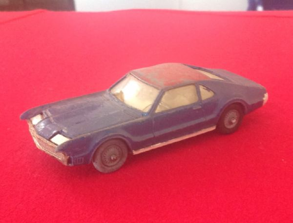 ORIGINAL CORGI TOYS 264 FOR RESTORATION OLDSMOBILE TORONADO 1967